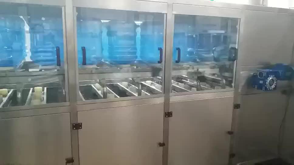 Entièrement automatique 200BPH 5 gallons bouteille / pot de remplissage de lavage machine de capsulage