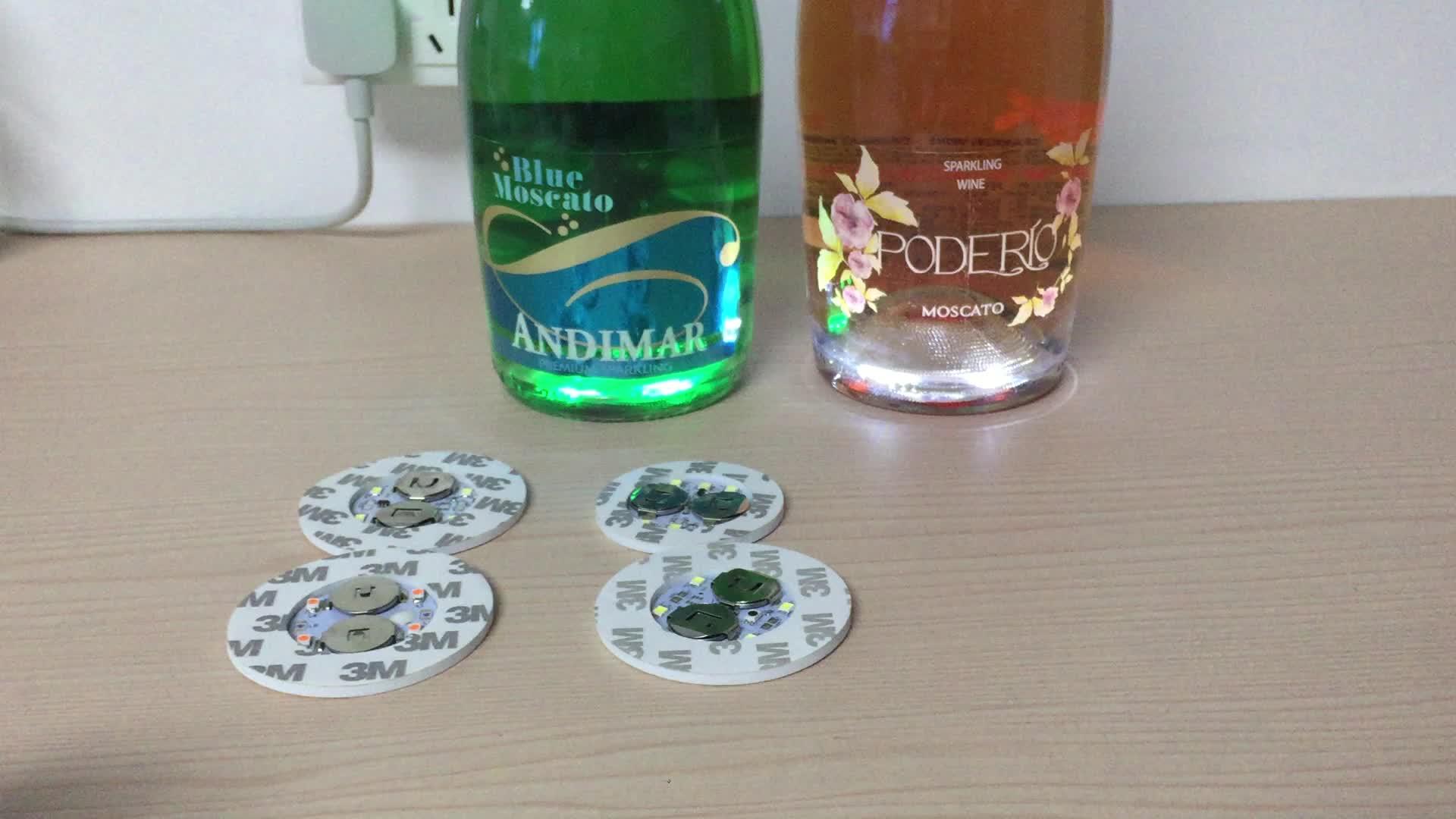 A decoração da garrafa de vinho da marca conduziu a etiqueta para a garrafa, luz da garrafa do diodo emissor de luz, almofada leve do diodo emissor de luz