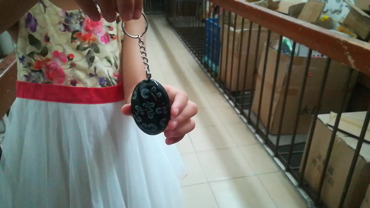 Amazon 130db Chinese style personal security alarm self defense rape alarm personal panic alarm keychain for women children