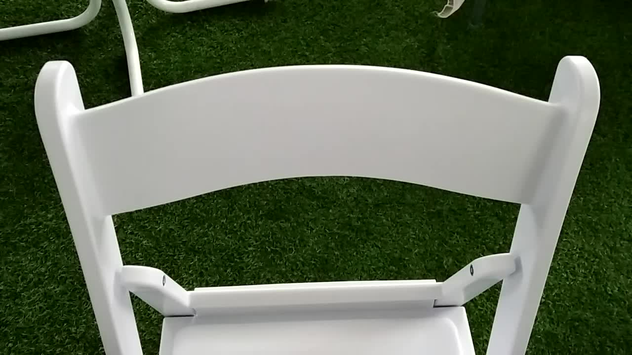 factory wholesale plastic resin folding wimbledon chair