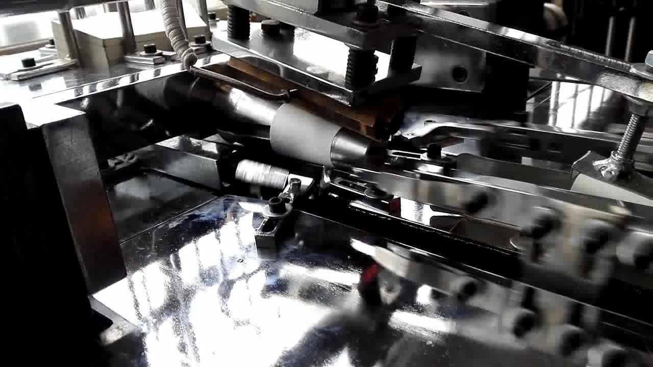 Professionnel jetable tasse de papier faisant la machine prix en inde, tasse faisant la machine prix