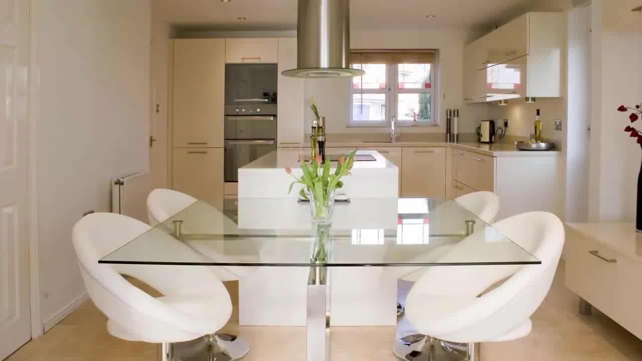 Personnalisable classique armoires avec colonne romaine design italien classique cuisine cuisine nouveau modèle