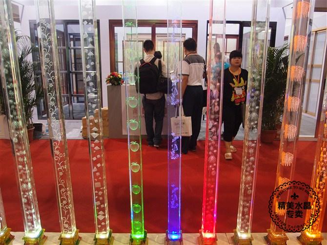Стеклянная перегородка Производители, продажа верхней K9 пузырей 3D лазерная гравировка кристалл столбцы стекла колонки крыльцо раздела, пожалуйста, смотрите детали