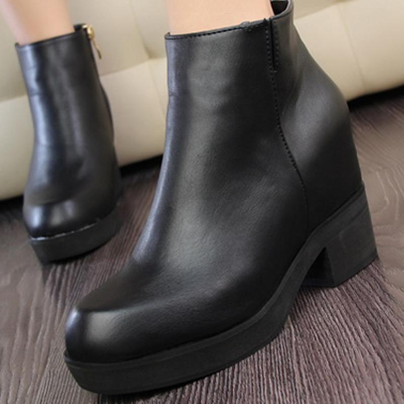 Женские сапоги Осень/Зима 2013 Европейская приливные обувь, женские сапоги новый черный Джокер, минималистский коренастый пятки короткие сапоги в Женская обувь