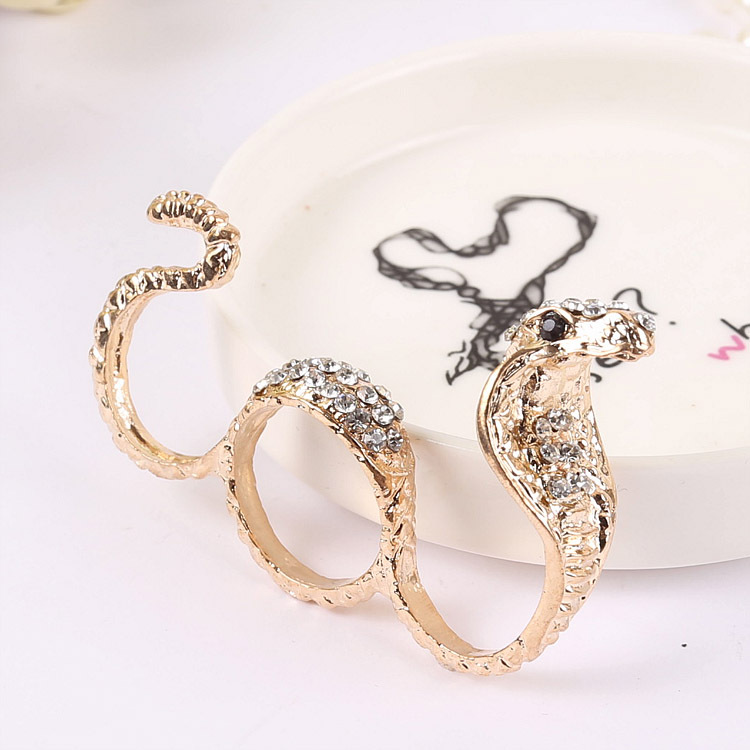 韩版热卖时尚个性闪钻眼镜蛇三环戒指