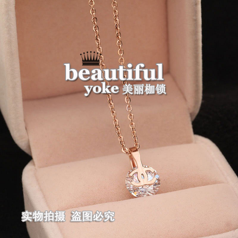 双c小香风钛钢玫瑰金项链chanel水晶锆石彩金精致小巧