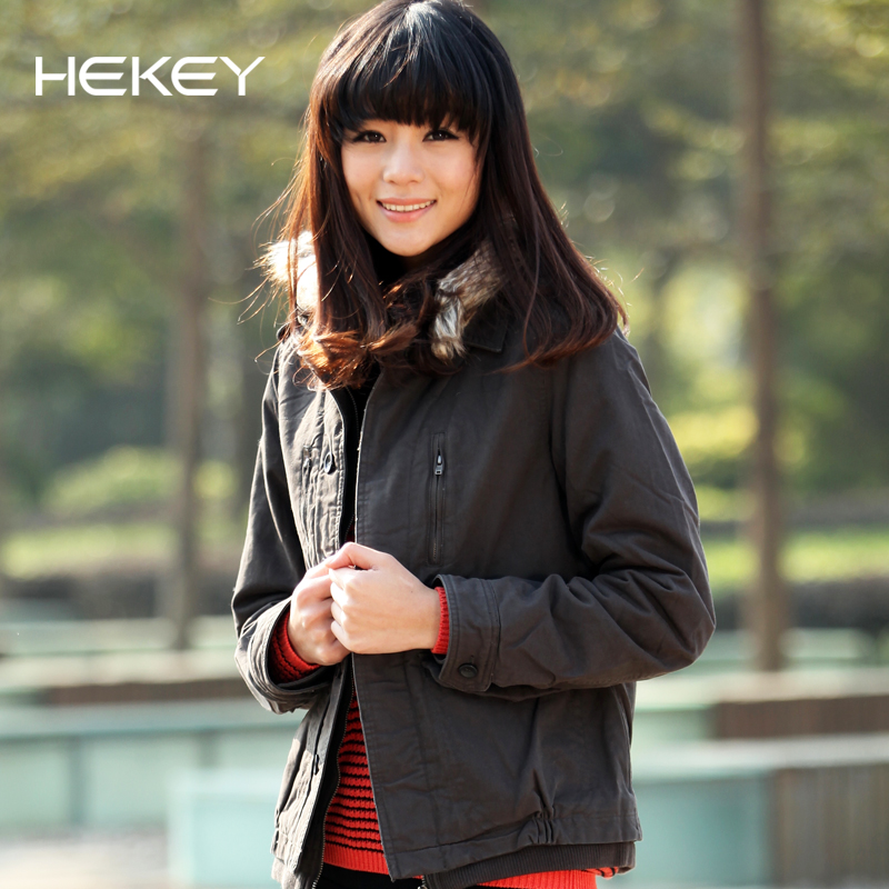 2013 winter fur collar coat Korean Delta short promoted the thickening even Cap coat for winter coat clearance sale special offer a genuine woman