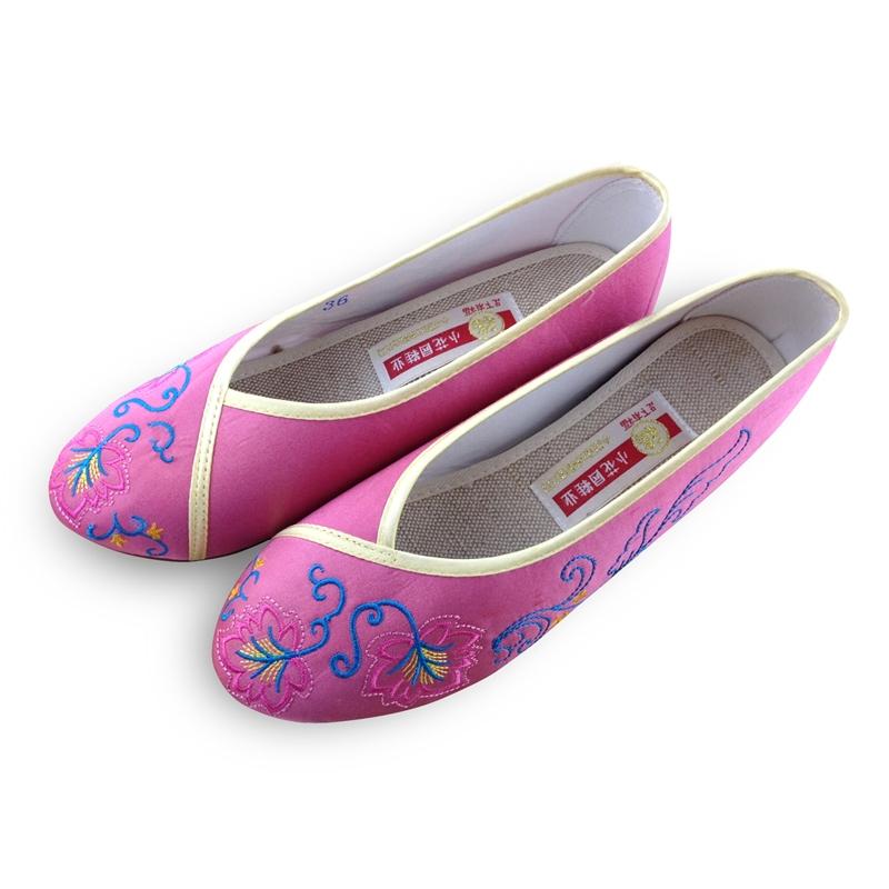 新款包邮小花园绣花鞋婚鞋内增高单鞋民族风布鞋平跟鞋新娘鞋303