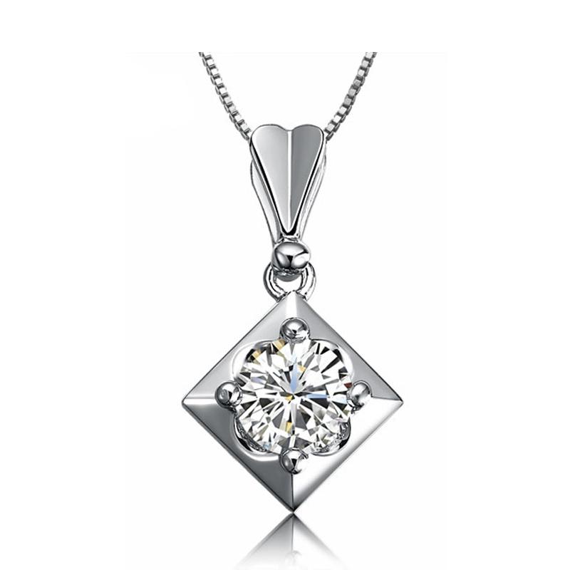 佐卡伊 30分0.3克拉 VVS D-E色白18k金GIA裸钻石吊坠项链女 正品
