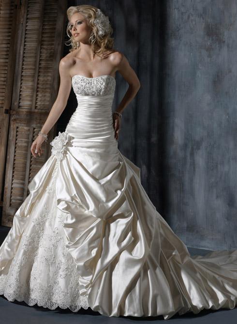 2013欧美新款婚纱 奢华长拖尾蕾丝新娘婚礼wedding dress
