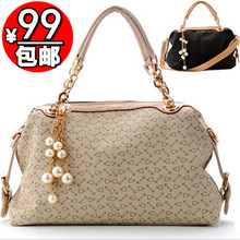 2013 new middle-aged female package mother package Messenger Bag in shoulder slanting cross bag in the elderly Ms. bags Europe, the United States and the summer of