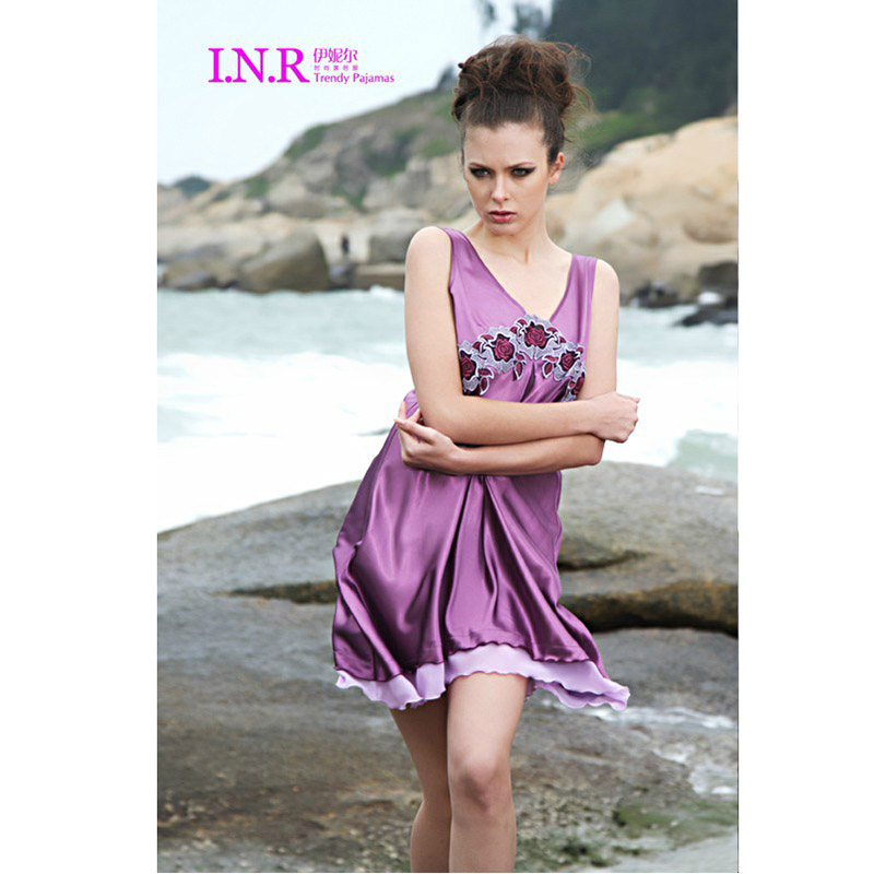Ночная рубашка Обложка журнала весна лето дамы глубокий v шелковая пижама безрукавка ночная рубашка rayli моды шелковое платье 22381