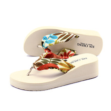 Summer bohemian beach slippers women thick crust slope with sandals and slippers waterproof platform shoes slippers flip-flops