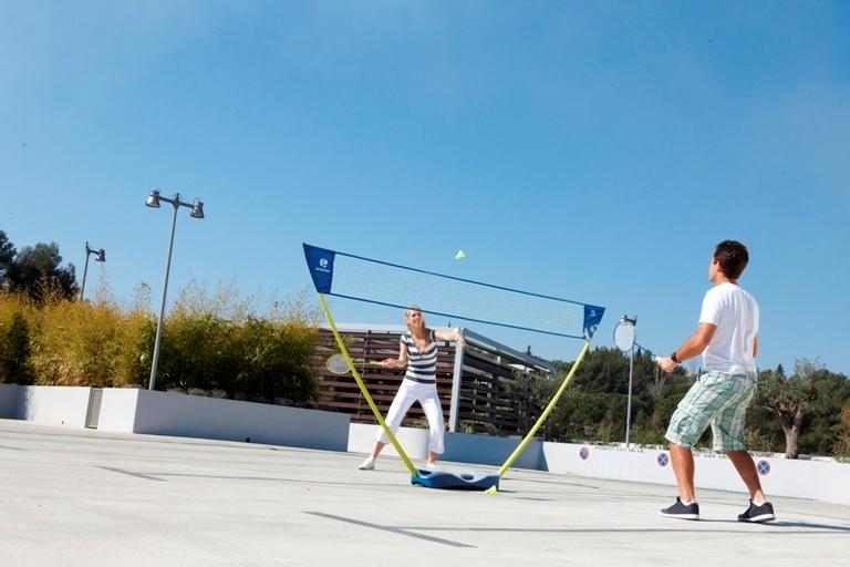 decathlon artengo portable de filet de badminton badminton. Black Bedroom Furniture Sets. Home Design Ideas