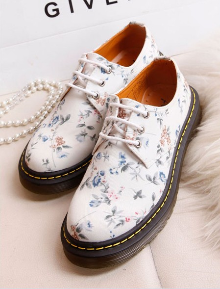 South Korea retro female small floral lace pastoral wind soled shoes to help low canvas shoes, casual shoes single shoes