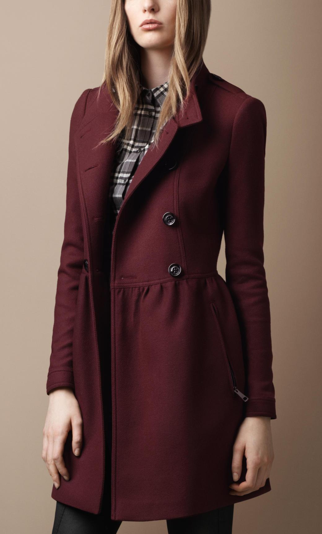 首页 >>产品列表第1346591页   巴宝莉burberry秋冬新款女装/风衣 中