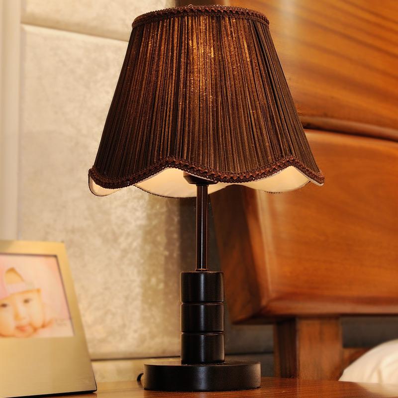 品氏复古木质创意时尚现代中式卧室床头灯 结婚酒店宜家装饰台灯图片