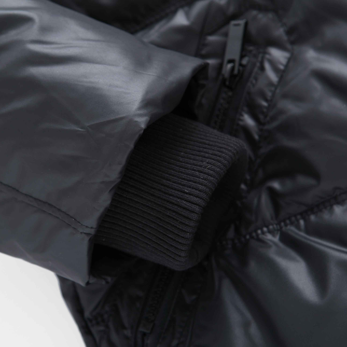 Пуховик мужской Semir 12132411105 Средней длины (длина одежды равна длине рукава+-3 см) Съёмный капюшон Разное Однотонный цвет
