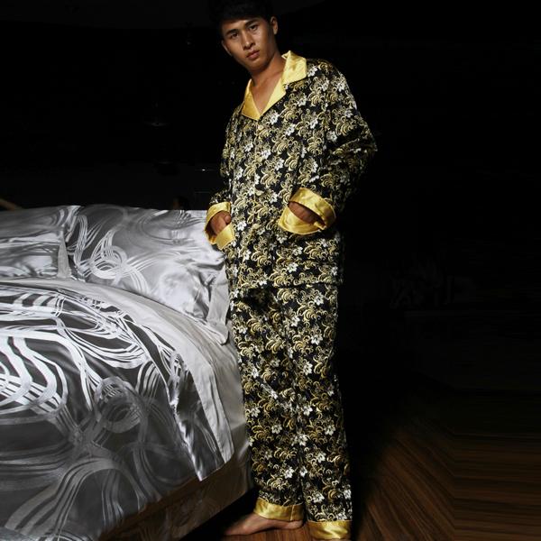 Пижама Green winter 2012 Имитация натурального шёлка Бутоньерки Спереди на пуговицах Для отдыха дома Для пары