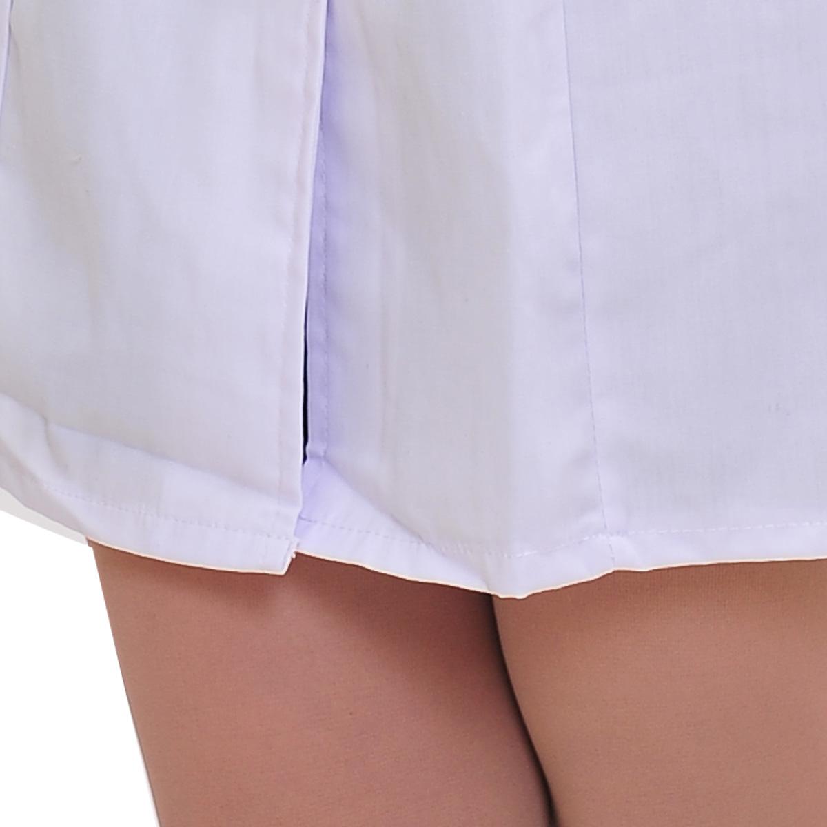 У медсестры под халатом 14 фотография