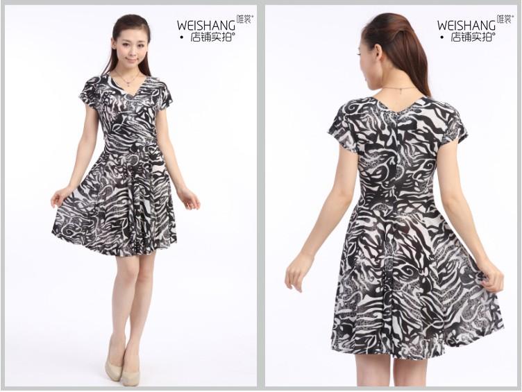 Женское платье Специальные летние 2012 v шеи slim новой моде плюс размер короткий рукав вязать шелковые молока платье женщина Лето 2012 Шифон
