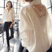 春季女装批發宽松长袖性感衬衣中长款拼接蕾丝V领白衬衫