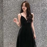 珊珊 春秋丝绒吊带连衣裙女V领高腰气质黑色年会晚礼服性感吊带裙