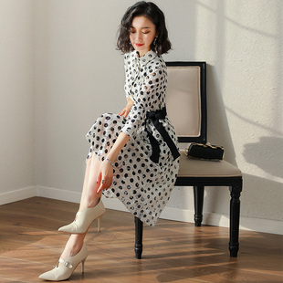 蕾丝连衣裙2019女春装名媛气质正式场合有女人味的波点衬衫裙