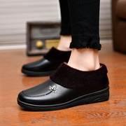 秋冬季妈妈鞋中老年软底女皮鞋平跟保暖女鞋平底加绒棉鞋子