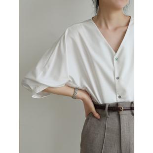 SS STUDIO 白衬衫女设计感小众 通勤职业V领七分灯笼袖上衣夏季