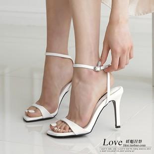 1kui韩国夏款轻熟风优雅脚踝扣带简约百搭款高跟凉鞋