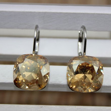 Shin kong jewelry The new square Bella perforation by Austrian crystal buttons crystal earrings New Year gift
