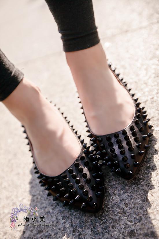 туфли Осень/зима 2012 Сяо VC дети показывают заклепки на левой стороне, банк указал патента кожаные плоские туфли красные обувь в конце карьеры Женская обувь Овечья кожа