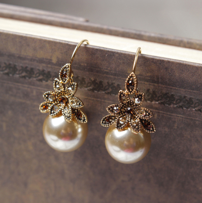 2014 new gold-plated shell pearl earrings hypoallergenic fashion earrings Korean temperament long section of wild free shipping
