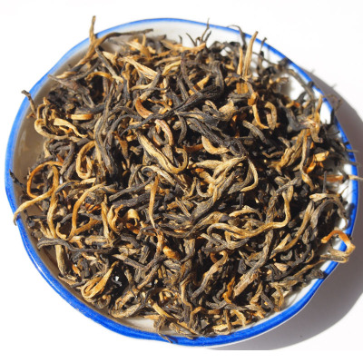 Jun point of yunnan tea chicken celebration of super gold DianGong tea fruit honey scent alcohol aftertaste 100 grams of loose tea quality goods