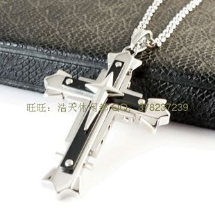 The new shape domineering aristocracy three-titanium steel cross necklace pendant stylish mens necklace jewelry