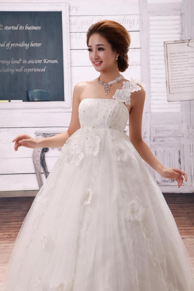 wedding dresses for flat chested women wedding dresses colors