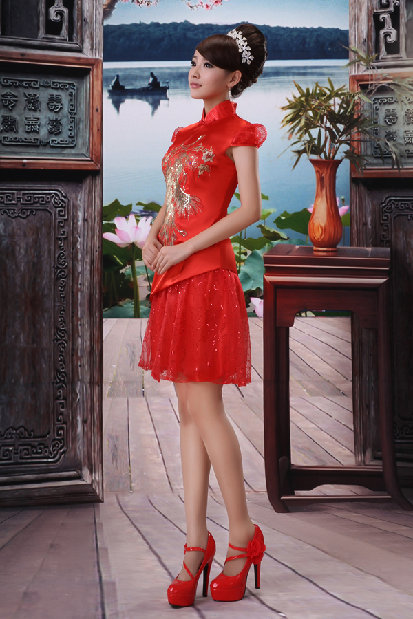 Платье Ципао Супер красивый красный невесте свадебное платье платья невесты тосты новую одежду по электронной почте Павлин