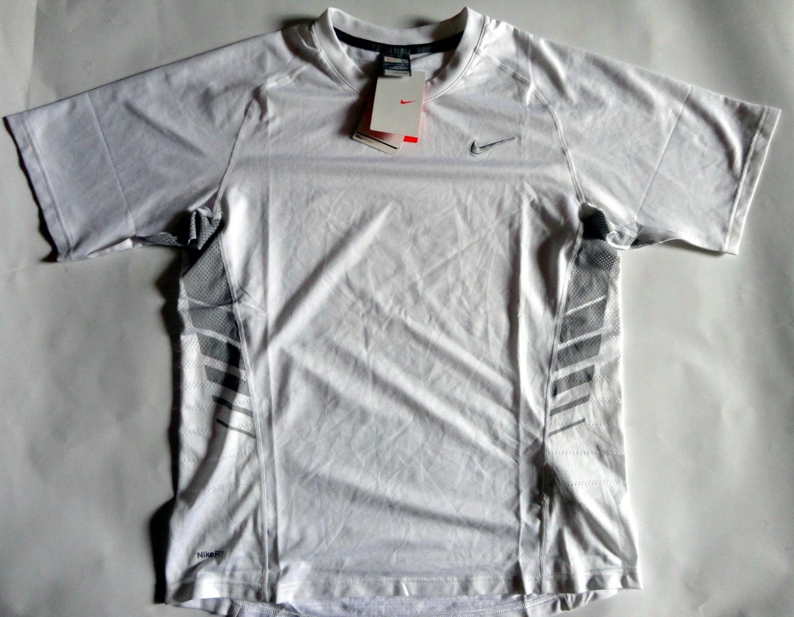 Спортивная футболка Nike 334911/100 TRAINNING 334911