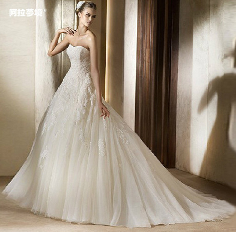 婚纱2013款 欧美简约宫廷蕾丝婚纱 明星同款拖尾婚纱 公主 显瘦