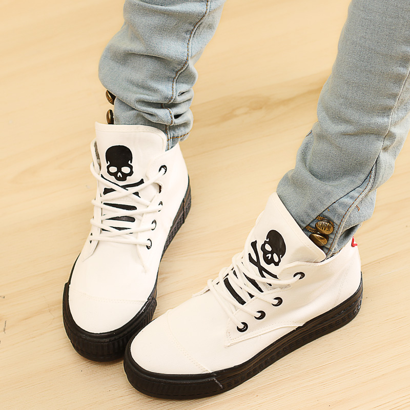 2014 Spring New skull canvas shoes Korean version of the influx of female students shoes casual high-top heavy-bottomed cloth shoes
