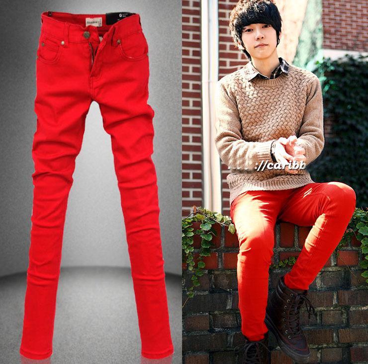 Как и с чем носить мужские красные брюки чинос