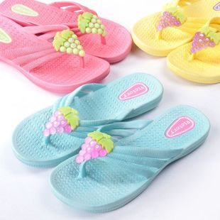Fashion girl soft plastic pinch  end of grape slippers flip-flops 320g