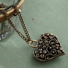 Chinese valentine's day gift literary female fan necklace Long chain heart-shaped handmade sweater love The wind restoring ancient ways act the role ofing is tasted