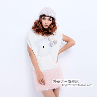 2012 spring clothing new Korean women's fashion personality bat Cape head v-neck short sleeves sweater WX451