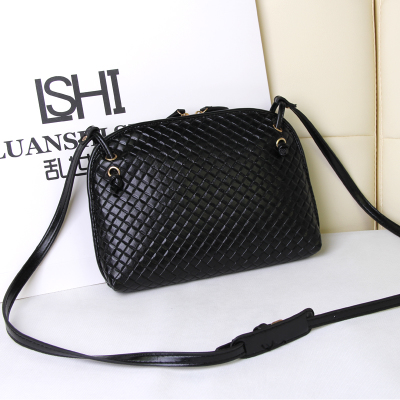 Handbags 2014 autumn new Korean mini shoulder diagonal small bag woven bag Messenger bag ladies small square package