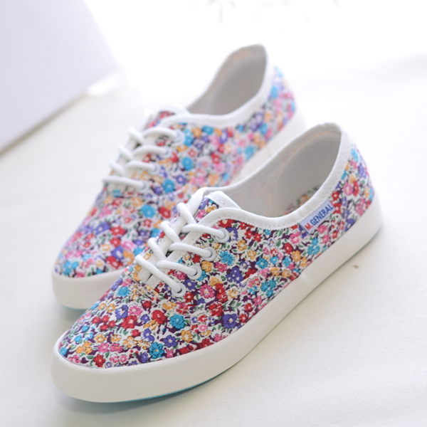 14 small fresh spring models retro floral lace canvas shoes minimalist shoes comfortable flat shoes women shoes students