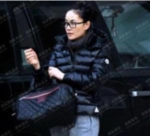 Женский пуховик 2012 новый стиль женщин мода случайные корейской версии тонкий короткий пуховик вниз куртка Женская похудения мягкие сумки почта