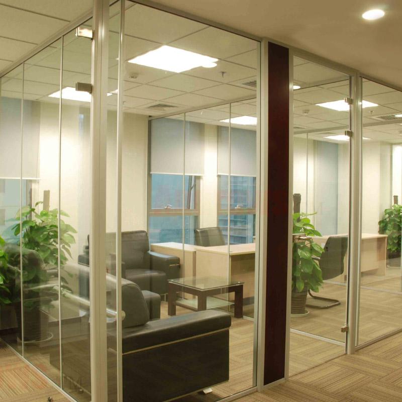 钢化玻璃隔断墙_上海高隔断墙 玻璃隔断门 办公室钢化玻璃隔断带百叶 隔间墙定做