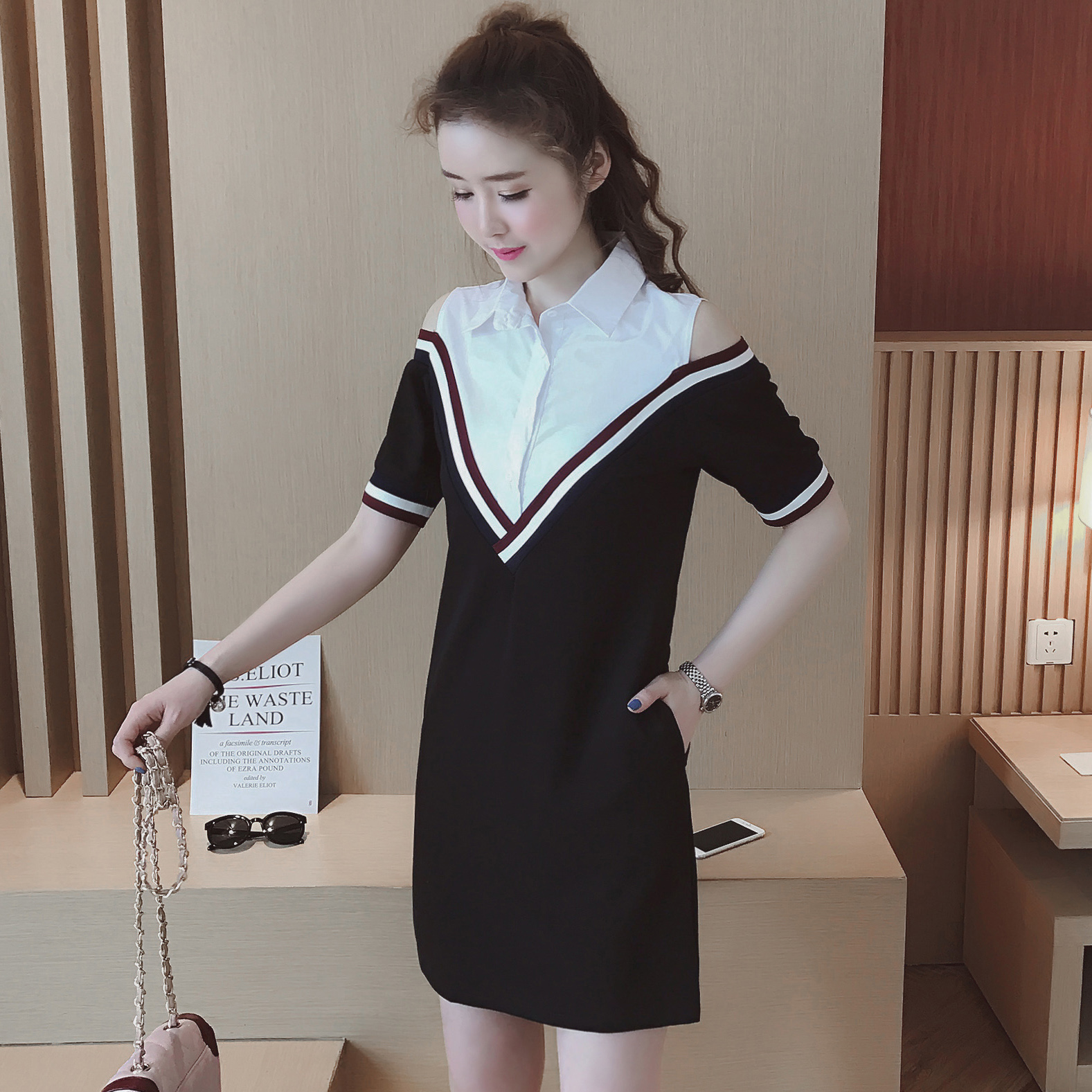 A1311-2017春夏新款女装韩版翻领露肩撞色条纹假两件连衣裙 0331